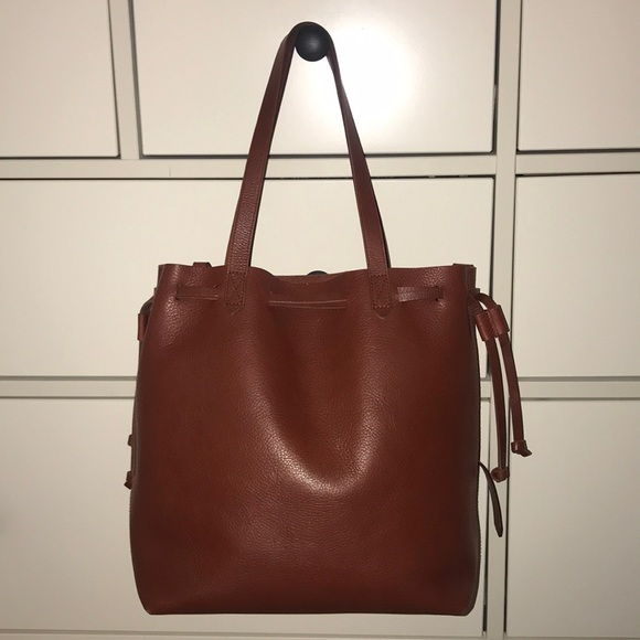 2431d9f505d4 Madewell Handbags - Madewell medium drawstring transport leather tote